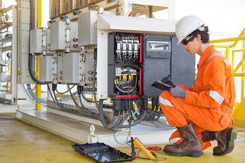 NextService Customer ThermFlo Thermal Electrical and Generator Services - Technician in the field