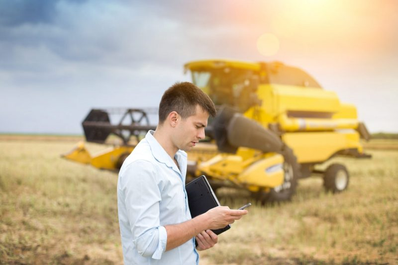 agricultural-field-service-mobility-man